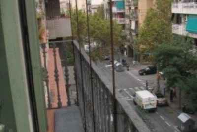 Building for sale located in the district of Sants,very close to Plaça Espanya.